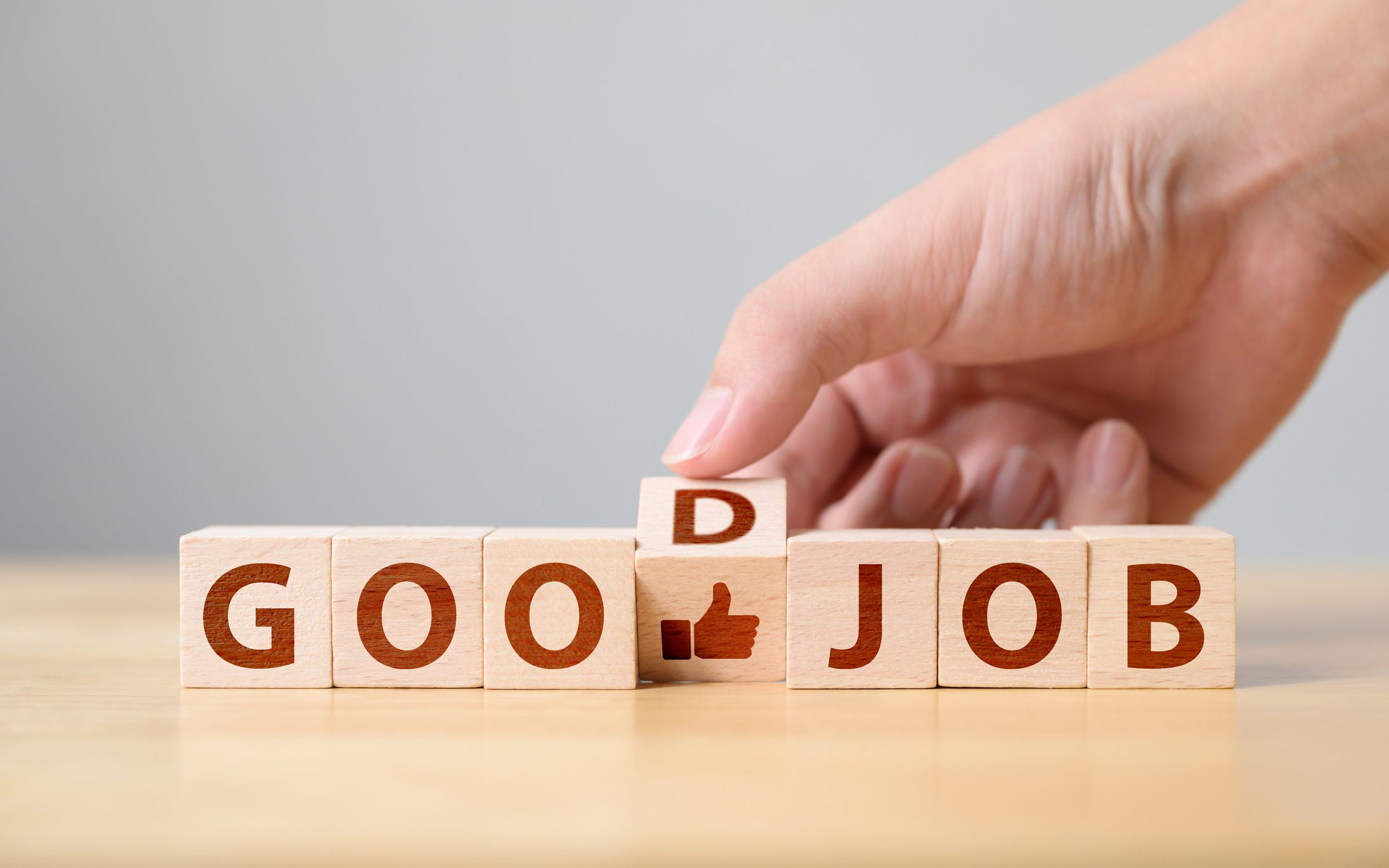 Employee Recognition: 9 Ways to Praise Your Team